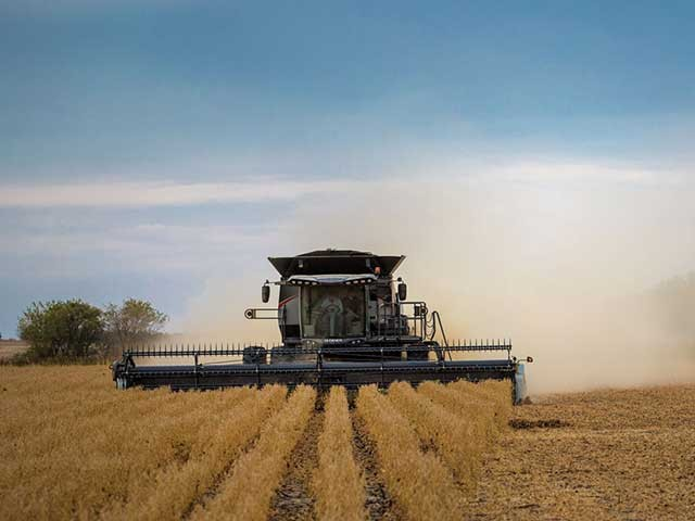gleaner-s9-series-soybeans-640.jpg