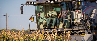gleaner-combines-nav-owner-clinics.jpg