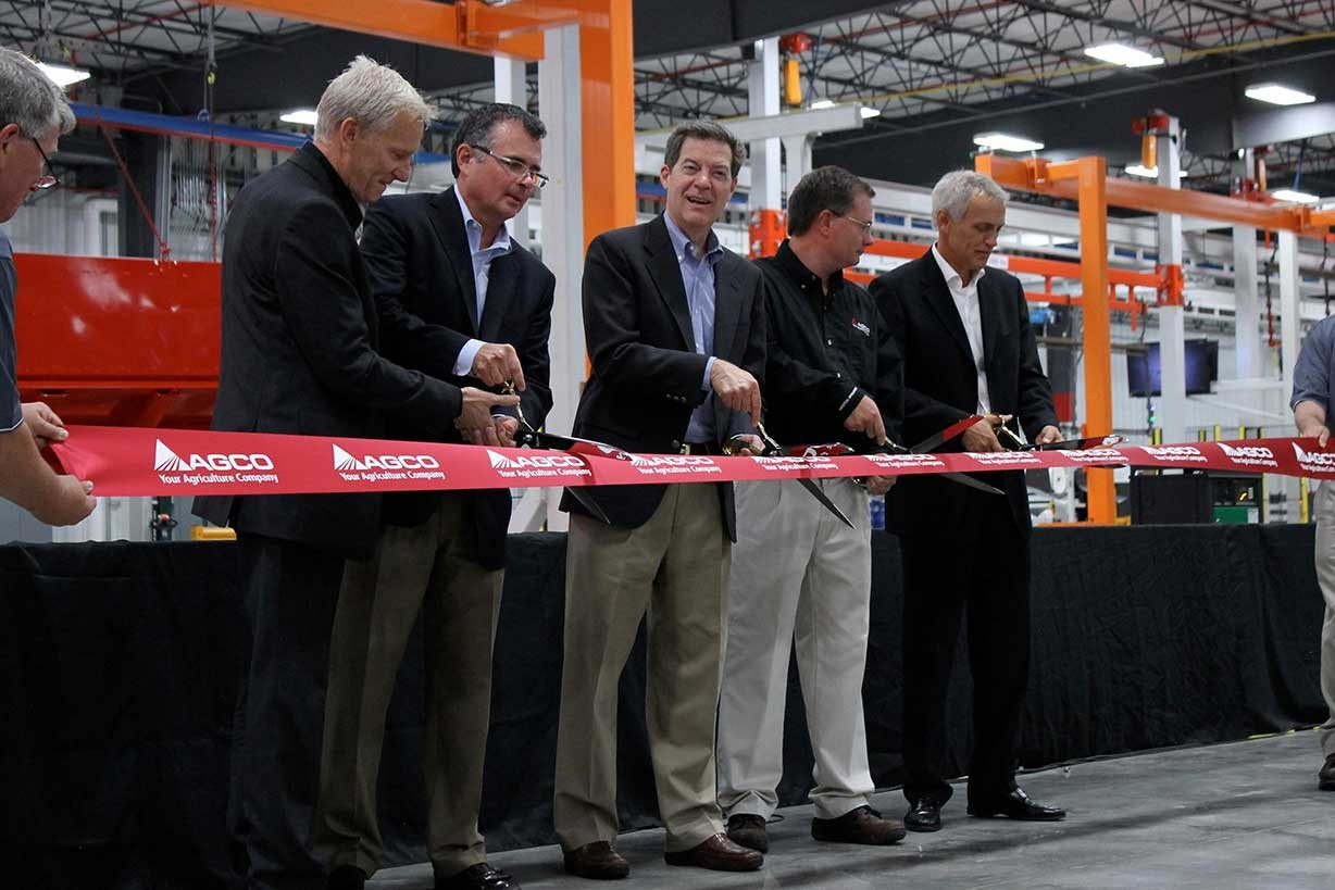 20130819-agco-hesston-operations_Paint_Center_Ribbon_Cutting